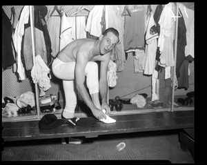 Warren Spahn in Braves clubhouse