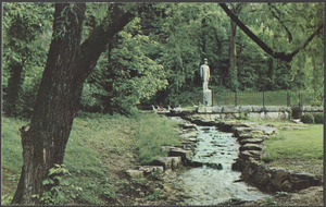 Jack Daniel's statue and spring, Lynchburg (Moore Country), Tennessee