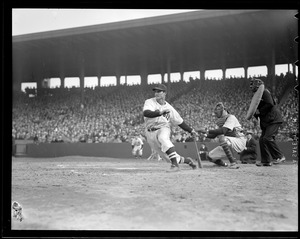 Bobby Doerr hitting vs. Yankees