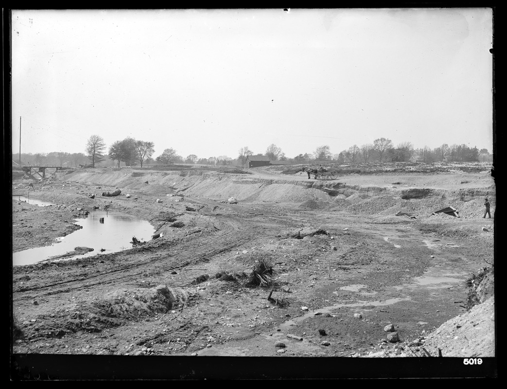Weston Aqueduct, Weston Reservoir, Sections 1 and 14, steam shovel excavation looking westerly, Weston, Mass., May 13, 1903