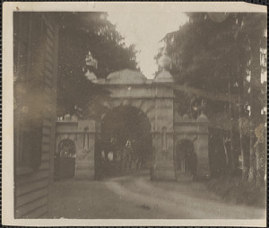 Brown St. gate to Oak Hill Cemetery
