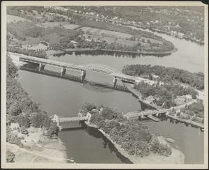 Chain Bridge, old and new, 1954