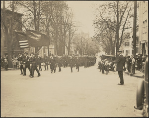 Parade of WWI Veterans coming up Green St. and Turning up High St.