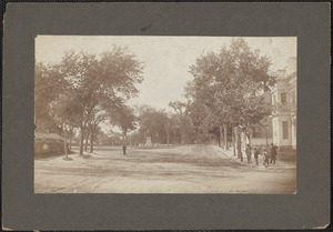 High St. looking north and on looking Washington's Monument and Bartlet Mall, Newburyport, Mass.