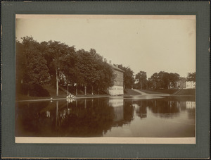 Frog Pond and court house, August 30, 1901