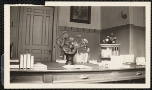 Work desk (the Tufts Library)