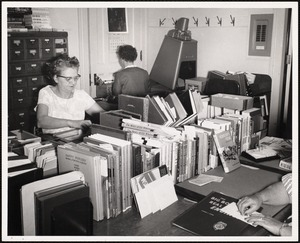 Crowded catalogue room