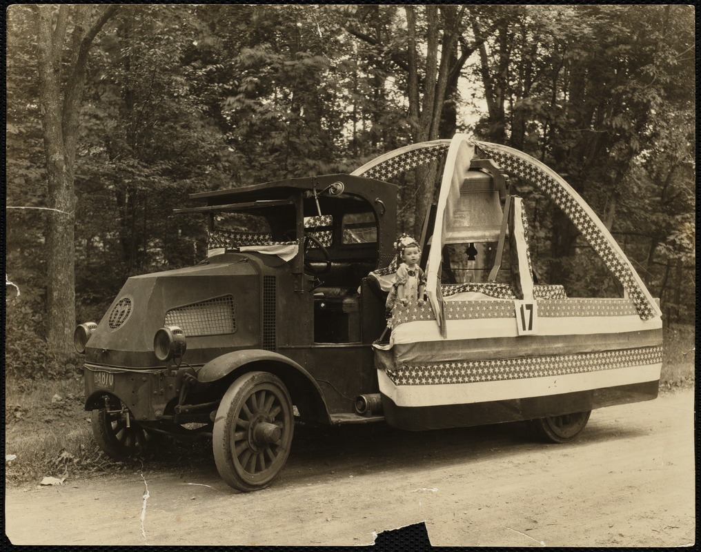 1923 4th of July Parade: Liberty Bell float