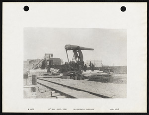"10"" Gun model 1888 on pneumatic carriage"