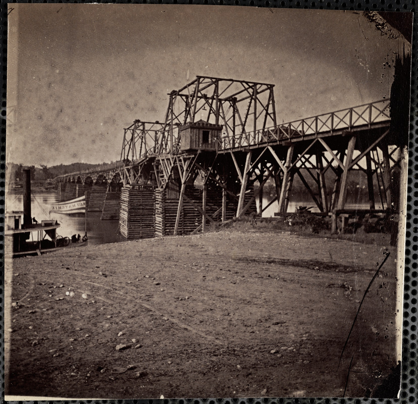 Bridge across Tennessee River at Chattanooga