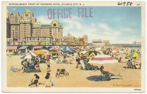 Bathing beach, front of Traymore Hotel, Atlantic City, N. J.