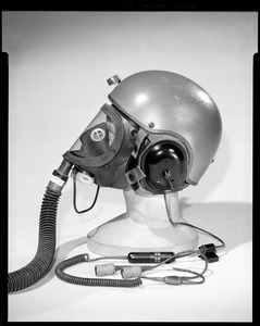 CEMEL, body armor, helmets, combat vehicle crewman w/gas mask on (side view)