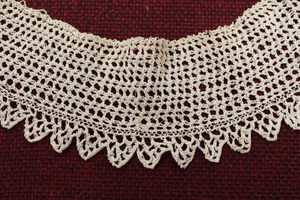 Lace collar, made by Laura Bridgman (close-up)