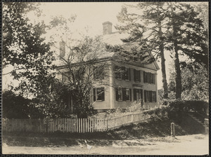 Home of Capt. George Matthews, 1 Strawberry Lane, Yarmouth Port, Mass.