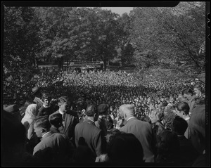 Jawaharlal Nehru in front of large outdoor crowd at Wellesley College