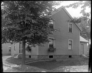 #4 Lowell Street, front and side, fall
