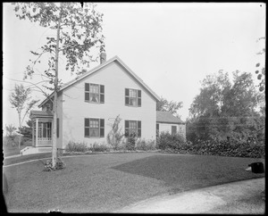 #13 Lowell Street, front and side view, 1906 flower contest