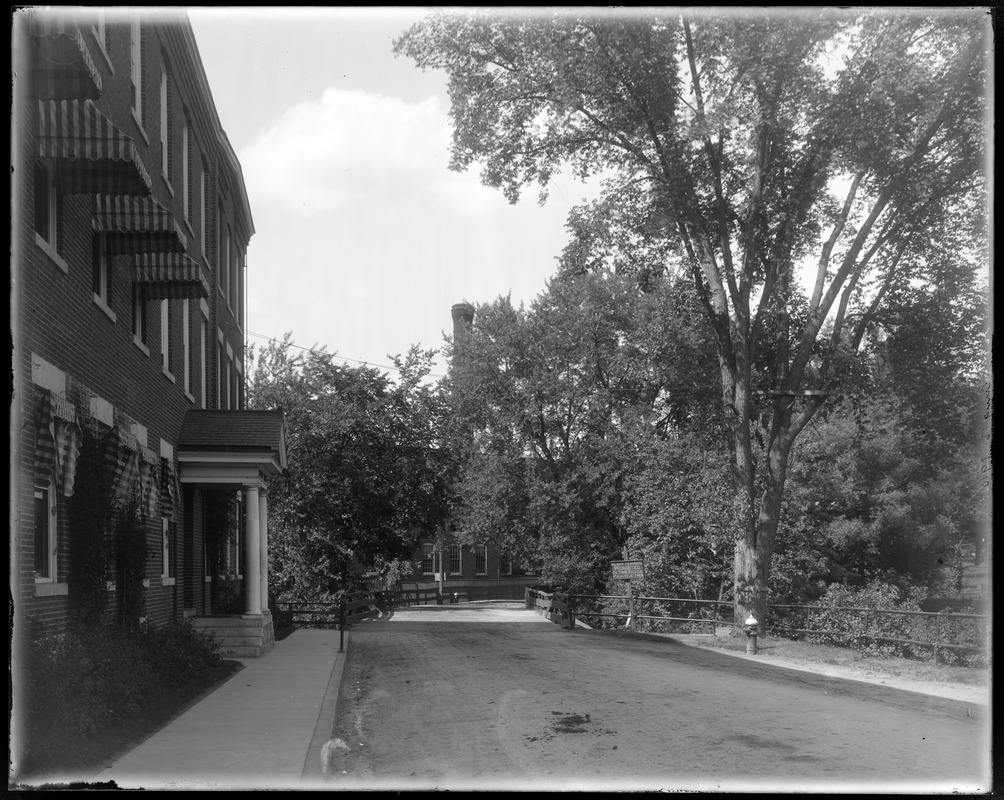 Wooden Bridge at No. Billerica from street at south side
