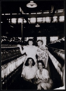 Picture taken 1945-47 at the Wood Mill's spinning room