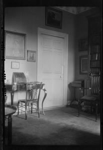 10 Pembroke Rd., Dublin, Ireland, corner of the drawing room in Miss Gleeson's home